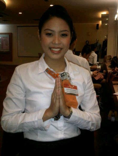 Walau hanya tamat SMA tapi Maya putri saya bisa menjadi pramugari Garuda Indonesia