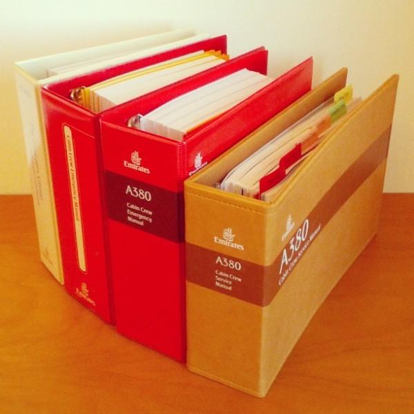 Ini adalah Emirates Flight Attendant Manual yang harus kupelajari selama enam minggu masa training :)